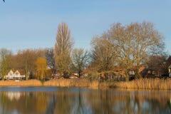 Lagoa Tuindorpbad no centro de Hengelo imagens de stock