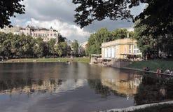 Lagoas de Patriarshiye em Moscou Fotografia de Stock Royalty Free