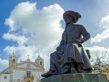 LAGOS, ALGARVE/PORTUGAL - 5 MAART: Standbeeld van Henry Navigato stock foto's