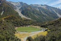 Lagos azules cerca del lago glacier de Tasman foto de archivo libre de regalías