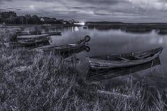Lagos Braslav en Bielorrusia Dos barcos que flotan en el agua en el Eve Foto de archivo libre de regalías