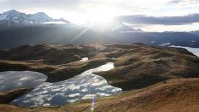 Lagos Koruldi, Svaneti superior, Mestia perto da passagem de Ushba Geórgia, Europa Vídeo de Hd vídeos de arquivo