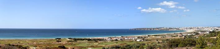 lagos liggandepanorama portugal Royaltyfria Bilder