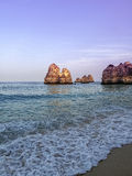 Lagos plaży purpury Portugalia Zdjęcia Royalty Free