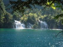 lagos y cascadas en valle del jiuzhai fotografía de archivo