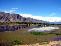Lagos y montañas en Tíbet Imagen de archivo libre de regalías