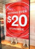 Lagra banret som annonserar en Sale Royaltyfri Bild