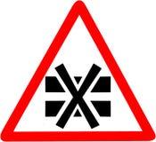 Lagra inte överlappat sätt inte någon annan ask på en annan ask Rött tecken för förbudvarningssymbol på vit Royaltyfria Foton