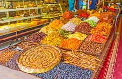 Lagret av turkiska sötsaker i sida Royaltyfria Foton