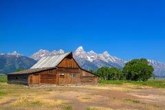 Lagret för T A Den Moulton ladugården är en historisk ladugård i Wyoming, eniga Sta arkivfoto