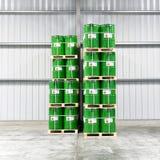 Lagring av trummor i en kemisk fabrik - logistik och sändnings Royaltyfri Fotografi