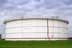 lagring för oljebehållare Arkivfoto