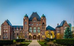 Lagstiftande församling av Ontario placerade i Queens parkerar - Toronto, Ontario, Kanada arkivbild