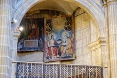 Laguardia, Alava, Spagna 30 marzo 2018: Dettaglio di una pittura policroma dello stile medievale situata in uno degli arché later Fotografia Stock Libera da Diritti