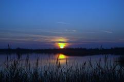 Lagun av Patok, på en vintrig solnedgång, Albanien Arkivfoto