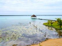 Lagun för sjö för ferie för tid för strandBacalar Mexico sommar Royaltyfria Foton