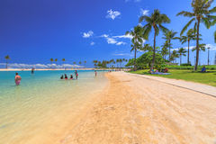 Lagun i den Waikiki stranden Arkivfoto