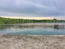 Lagun mellan ön med blått vatten Royaltyfria Bilder
