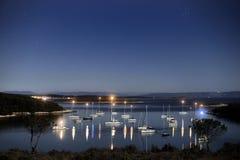 Lagun på nattljus Fotografering för Bildbyråer