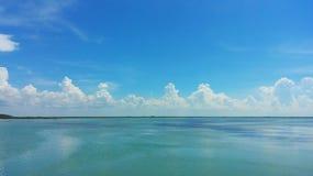 Lagun, vatten och himmel royaltyfri fotografi