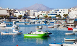 Laguna στην πόλη Arrecife με τις βάρκες ψαράδων Στοκ φωτογραφία με δικαίωμα ελεύθερης χρήσης