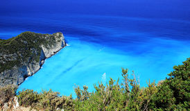 Laguna azul de la playa de Navagio Fotos de archivo