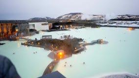Laguna azul de la puesta del sol en Islandia almacen de video