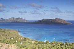 Laguna azul, isla de Nacula, islas de Yasawa, Fiji imagenes de archivo