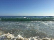 Laguna Beach, de golven van Californië Stock Afbeeldingen