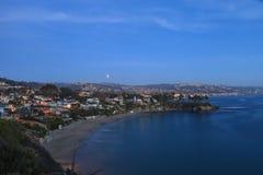 Laguna Beach, de mening van Californië Crescent Bay van de bloedmaan Stock Foto