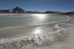 Laguna Blanca Biała laguna, Licancabur wulkan i, Boliwia Obrazy Stock
