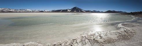 Laguna Blanca Biała laguna, Licancabur wulkan i, Boliwia Obrazy Royalty Free