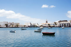 Laguna con le barche a Arrecife, Lanzarote Fotografia Stock Libera da Diritti
