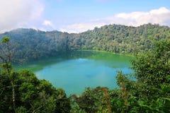 Laguna de Chicabal del lago crater, Guatemala Foto de archivo libre de regalías