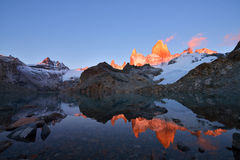 Laguna de Los Tres and mount Fitz Roy at sunrise Stock Images