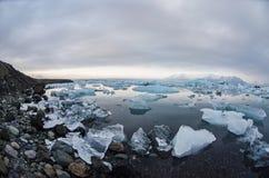 Laguna del glaciar de Jokulsarlon Foto de archivo libre de regalías