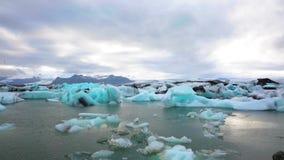 Laguna del hielo en Islandia almacen de metraje de vídeo