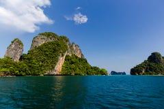 Laguna dell'isola all'oceano, Tailandia Immagini Stock