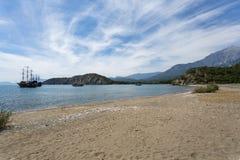 Laguna e spiaggia di sabbia della città antica di Phaselis Fotografia Stock