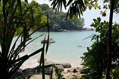 Laguna en una isla tropical Imágenes de archivo libres de regalías