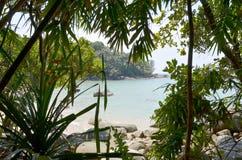 Laguna en una isla tropical Foto de archivo