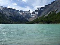 Laguna esmeralda in Tierra del Fuego in Patagonië Stock Foto's