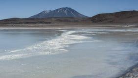 Laguna Honda en ` profundo de la laguna del ` inglés en el reserva Eduardo Avaroa - Bolivia de Lipez Altiplano del sud imágenes de archivo libres de regalías