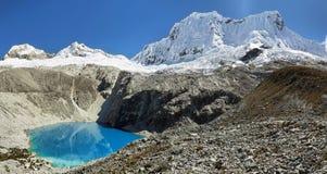 Laguna 69, Huascaran nationalpark - Huaraz - Peru royaltyfri bild