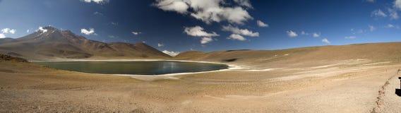 Laguna Miscanti w Wysokich Andes górach w Atacama Deser Zdjęcia Royalty Free