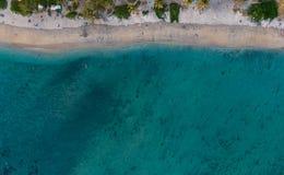 Laguna & plaża przy Zasolonymi les bains spotkanie wyspa, nadir obraz royalty free