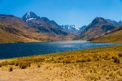 Laguna Querococha Fotografia Stock Libera da Diritti
