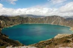 Laguna Quilotoa em Equador. fotografia de stock royalty free