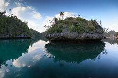 Laguna secreta en Wayag Fotografía de archivo libre de regalías