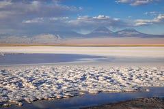 Laguna Tebinquinche landskap i San Pedro de Atacama, Chile fotografering för bildbyråer